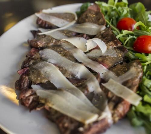 tagliata-con-salsa-al-tartufo