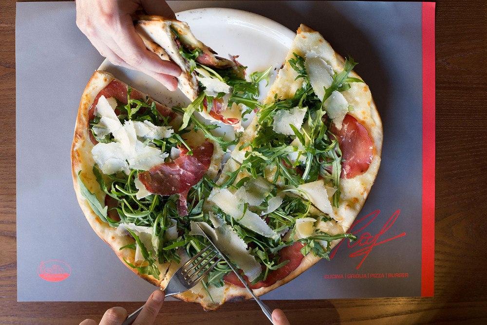 ccome stendere la pizza Raf